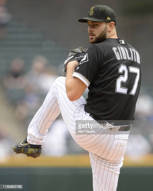 Lucas Giolito of the Chicago White Sox pitches against the Toronto Blue Jays on May 18, 2019 at Guaranteed Rate Field in Chicago, Illinois.