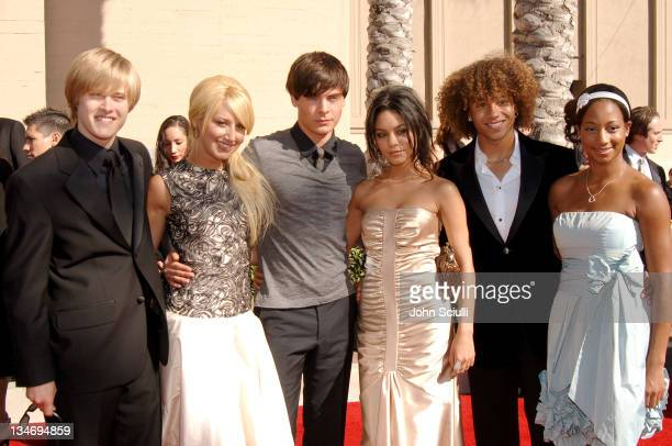 Lucas Grabeel Ashley Tisdale Zac Efron Vanessa Hudgens Corbin Bleu and Monique Coleman of High School Musical
