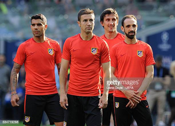 Lucas Hernandez Gabi Fernandez Stefan Savic and Juanfran look on during an Atletico de Madrid training session on the eve of the UEFA Champions...