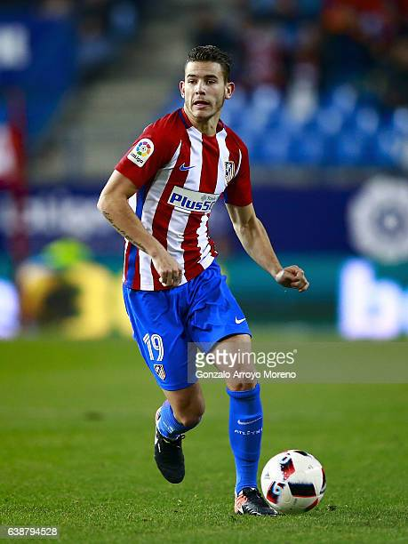 Lucas Hernandez of Atletico de Madrid controls the ball during the Copa del Rey Round of 16 second leg match at Estadio Vicente Calderon on January...