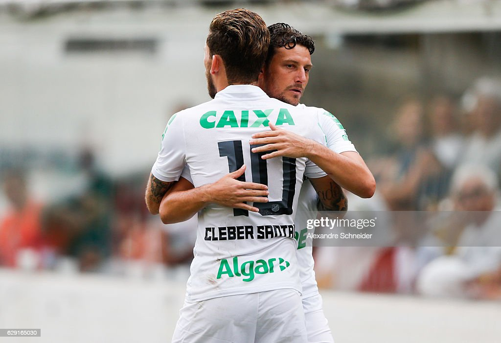 Lucas Lima #10 and Elano of Santos in action during the match between Santos and America MG for the Brazilian Series A 2016 at Vila Belmiro stadium on December 11, 2016 in Sao Paulo, Brazil.