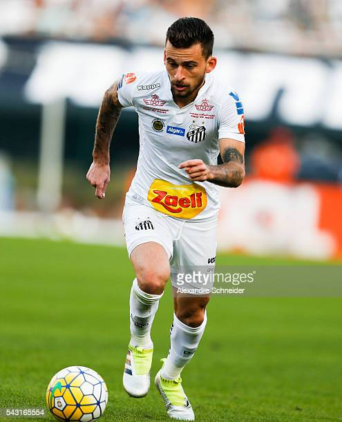 Lucas Lima of Santos in action during the match between Santos and Sao Paulo for the Brazilian Series A 2016 at Pacaembu stadium on June 26 2016 in...