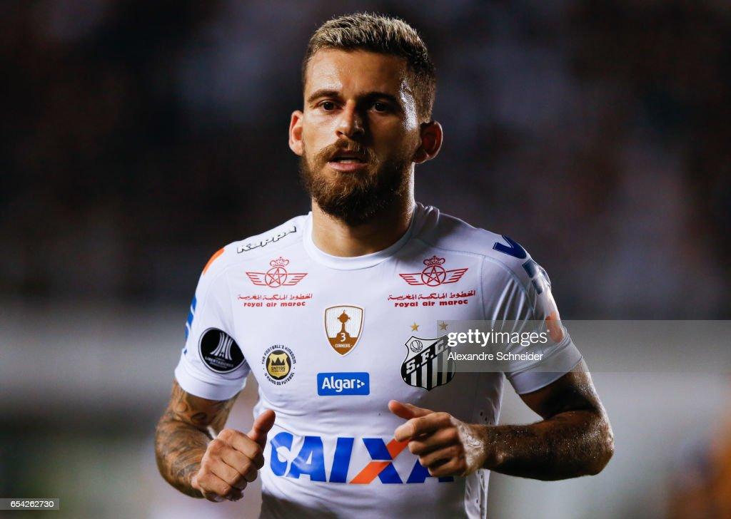 Santos v The Strongest - Copa Bridgestone Libertadores 2017