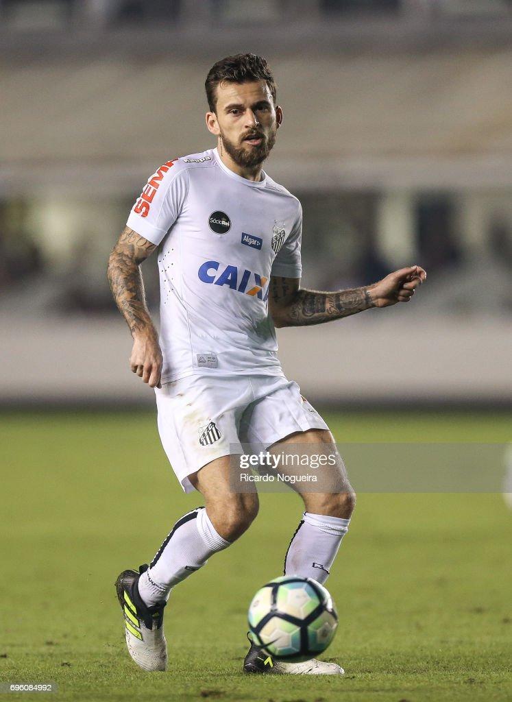 Santos v Palmeiras - Brasileirao Series A 2017