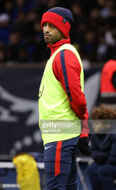 Lucas Moura of PSG warms up during the French National Cup match between Paris Saint Germain and En Avant Guingamp at Parc des Princes on January 24,...