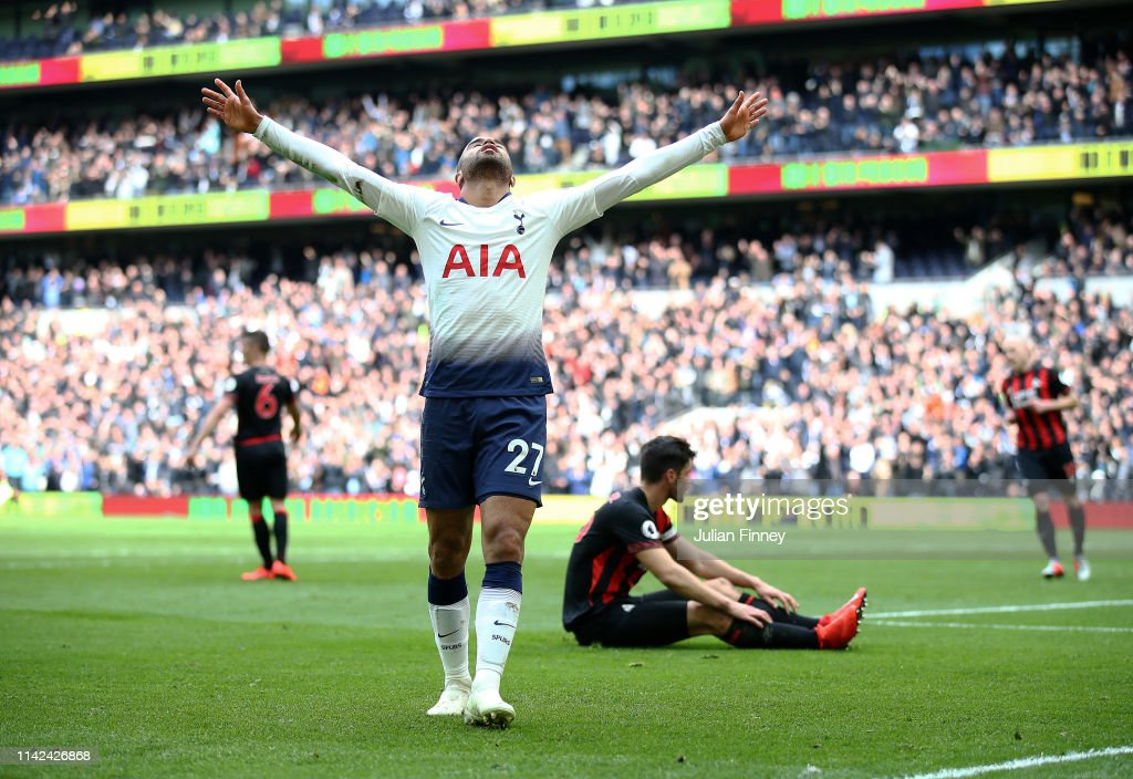 Tottenham Hotspur v Huddersfield Town - Premier League : News Photo