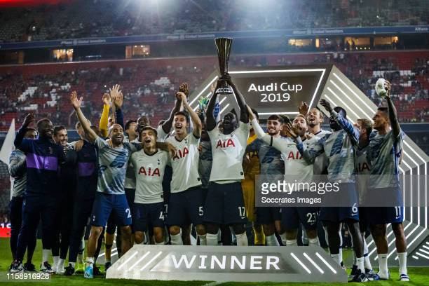 Lucas Moura of Tottenham Hotspur, Anthony Georgiou of Tottenham Hotspur, Oliver Skipp of Tottenham Hotspur, Moussa Sissoko of Tottenham Hotspur,...