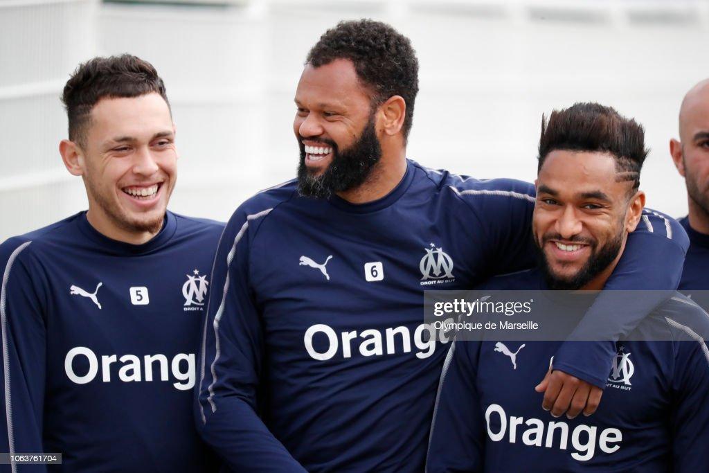 Olympique de Marseille Training Session : Fotografía de noticias