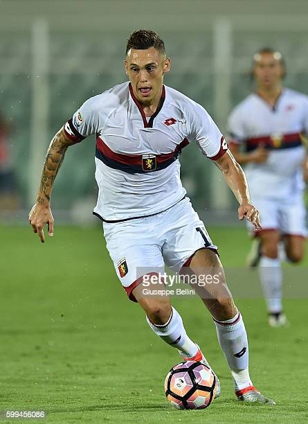Lucas Ocampos of Genoa CFC in action during the Serie A match between FC Crotone and Genoa CFC at Adriatico Stadium on August 28 2016 in Pescara Italy
