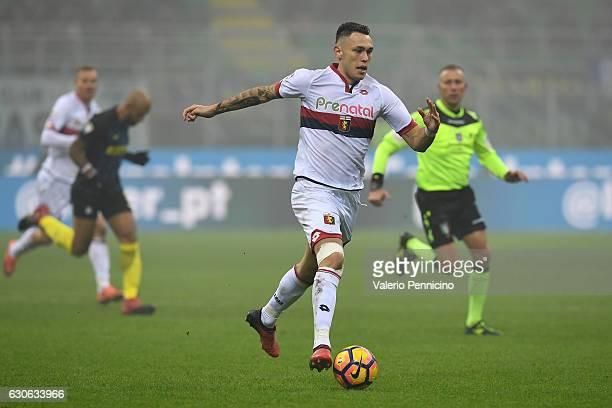 Lucas Ocampos of Genoa CFC in action during the Serie A match between FC Internazionale and Genoa CFC at Stadio Giuseppe Meazza on December 11 2016...