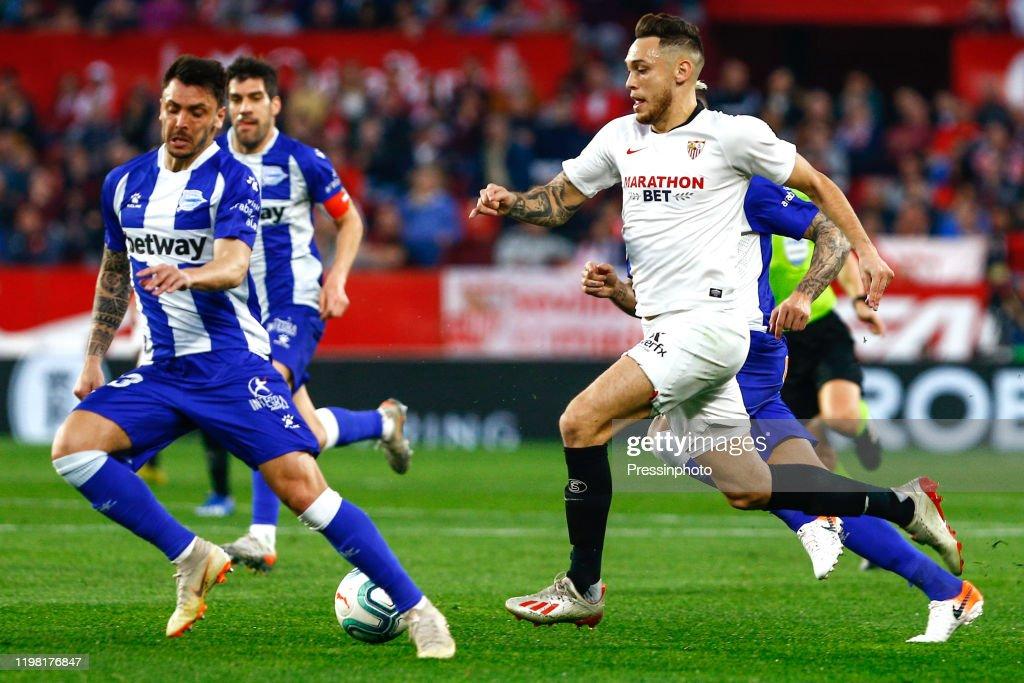 FC Seville v Deportivo Alaves - Liga : Fotografía de noticias