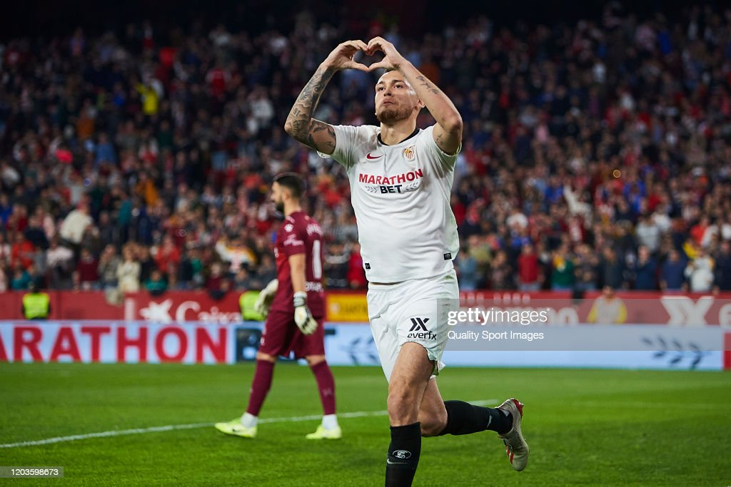 Sevilla FC v Deportivo Alaves  - La Liga : Fotografía de noticias