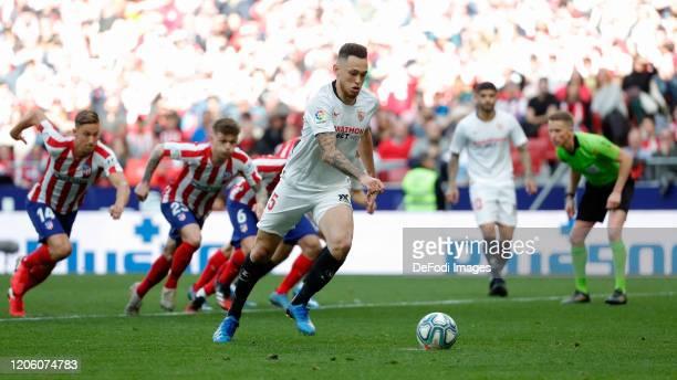 Lucas Ocampos of Sevilla FC controls the ball during the Liga match between Club Atletico de Madrid and Sevilla FC at Wanda Metropolitano on March 7...