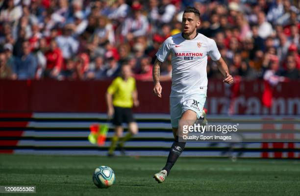 Lucas Ocampos of Sevilla runs with the ball during the Liga match between Sevilla FC and RCD Espanyol at Estadio Ramon Sanchez Pizjuan on February 16...