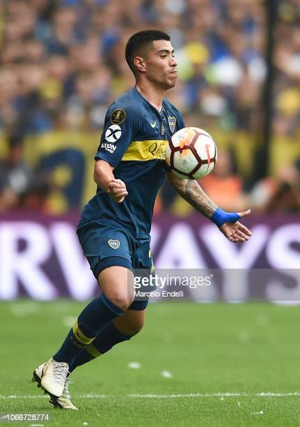 Lucas Olaza of Boca Juniors controls the ball during the first leg match between Boca Juniors and River Plate as part of the Finals of Copa CONMEBOL...