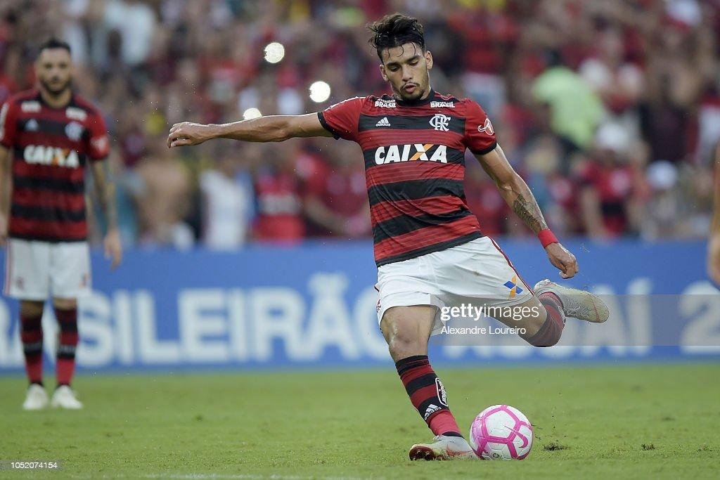 Flamengo v Fluminense - Brasileirao Series A 2018 : News Photo