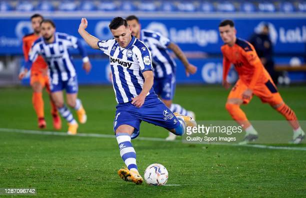 Lucas Perez of Deportivo Alavés scores a goal to make it 2-0 from the penalty spot during the La Liga Santander match between Deportivo Alavés and...