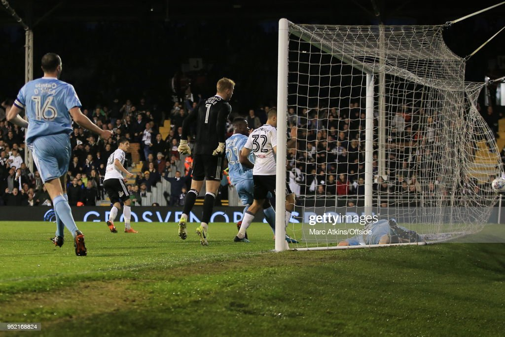 Lucas Piazon of Fulham scores a goal to make it 1-1 during the Sky Bet Championship match between Fulham and Sunderland at Craven Cottage on April 27, 2018 in London, England.