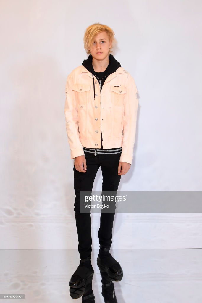 Lucas Portman attends the Balmain Menswear Spring/Summer 2019 show as part of Paris Fashion Week on June 24, 2018 in Paris, France.