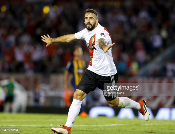 Lucas Pratto of River Plate celebrates after scoring the second goal of his team during a match between River Plate and Rosario Central as part of...