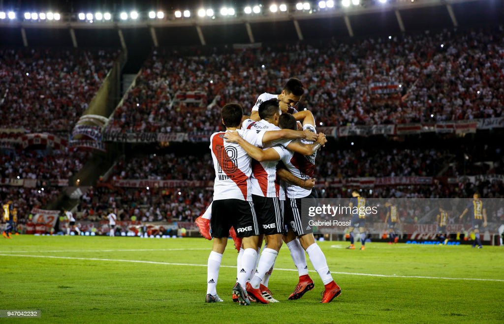 Lucas Pratto of River Plate celebrates with teammates after scoring the second goal of his team during a match between River Plate and Rosario Central as part of Superliga 2017/18 at Estadio Monumental Antonio Vespucio Liberti on April 15, 2018 in Buenos Aires, Argentina.