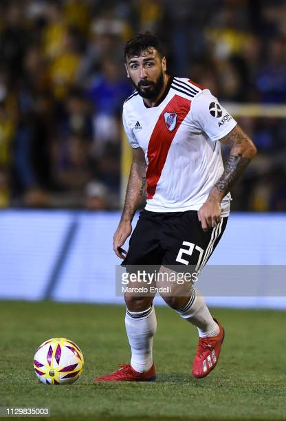 Lucas Pratto of River Plate drives the ball during a match between Rosario Central and River Plate as part of Superliga 2018/19 at Estadio Gigante de...