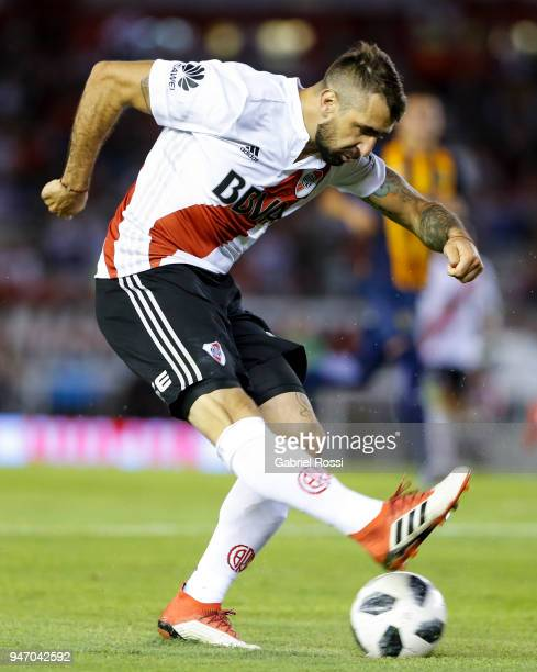 Lucas Pratto of River Plate kicks the ball during a match between River Plate and Rosario Central as part of Superliga 2017/18 at Estadio Monumental...