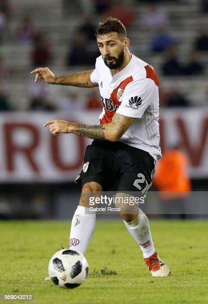 Lucas Pratto of River Plate kicks the ball during a match between River Plate and San Lorenzo as part of Superliga 2017/18 at Estadio Monumental...