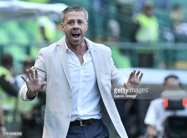 Lucas Pusineri coach of Cali gestures during a second round first leg match between Deportivo Cali and Peñarol as part of Copa CONMEBOL Sudamericana...