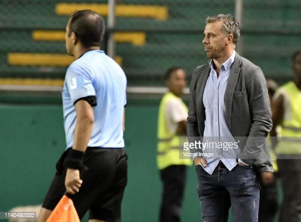 Lucas Pusineri coach of Cali gestures during the match between Deportivo Cali and Guarani as part of the Copa Conmebol Sudamericana 2019 at Estadio...