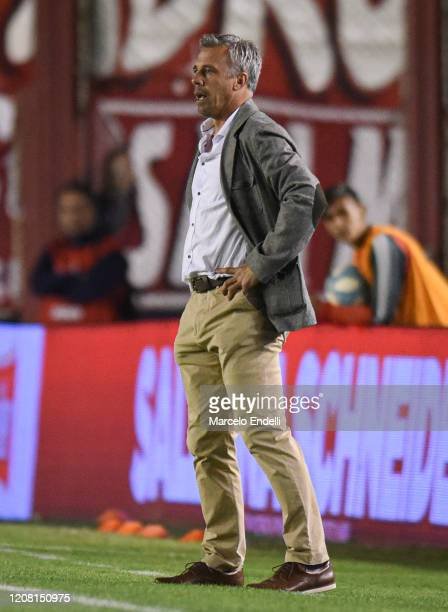 Lucas Pusineri coach of Independiente looks on during a match between Independiente and Gimnasia y Esgrima La Plata as part of Superliga 2019/20 at...