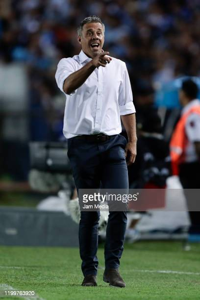 Lucas Pusineri coach of Independiente reacts during a match between Racing Club and Independiente as part of Superliga 2019/20 at Presidente Peron...