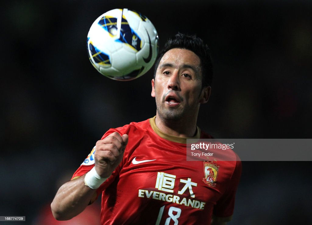 Central Coast v Guangzhou - AFC Champions League: Round of 16 : News Photo