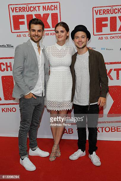 Lucas Reiber Lisa Tomaschewsky and Jascha Rust attend 'Verrueckt nach Fixi' premiere on October 8 2016 in Sulzbach Germany