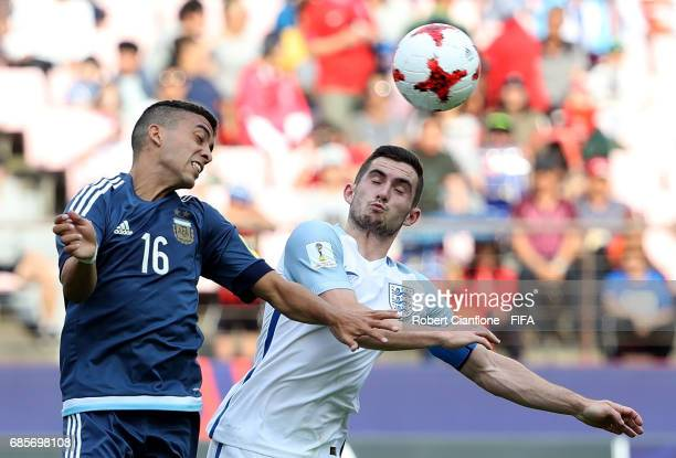 Lucas Rodriguez of Argentina is challenged by Lewis Cook of England during the FIFA U20 World Cup Korea Republic 2017 group A match between Argentina...