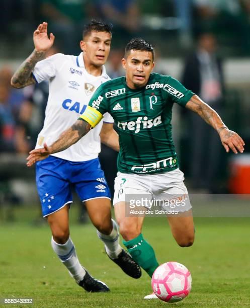 Lucas Romero L0 of Cruzeiro and Dudu of Palmeiras in action during the match between Palmeiras and Cruzeiro for the Brasileirao Series A 2017 at...