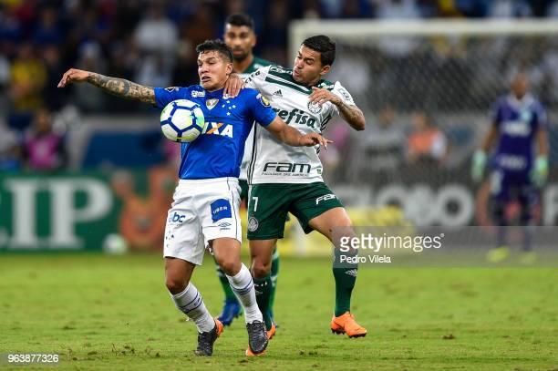 Lucas Romero of Cruzeiro and Dudu of Palmeiras battle for the ball during a match between Cruzeiro and Palmeiras as part of Brasileirao Series A 2018...