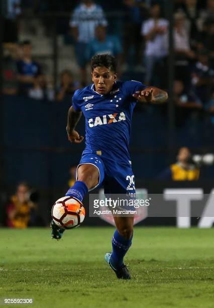 Lucas Romero of Cruzeiro drives the ball during a Group E match between Racing Club and Cruzeiro as part of Copa CONMEBOL Libertadores 2018 at Juan...