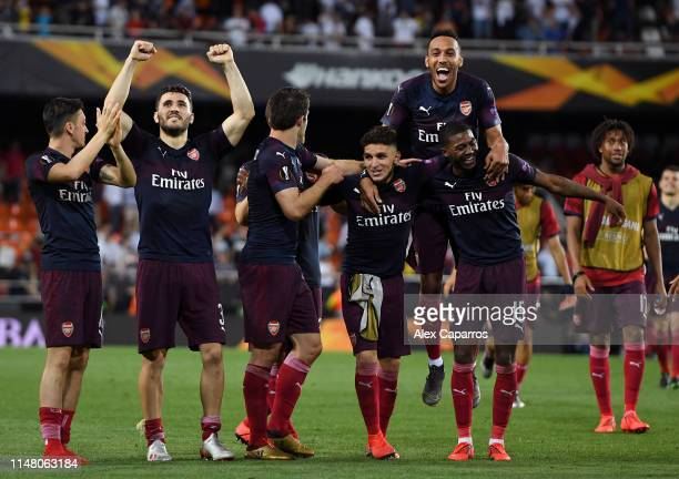 Lucas Torreira and Ainsley MaitlandNiles of Arsenal celebrate victory with teammates as PierreEmerick Aubameyang jumps on top after the UEFA Europa...