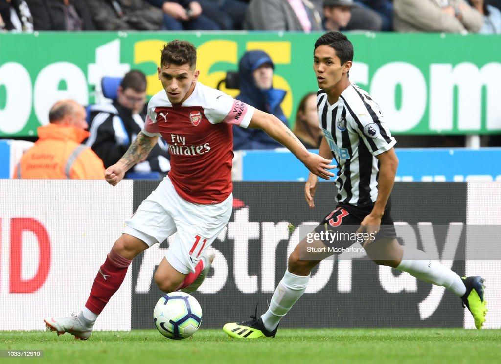 Newcastle United v Arsenal FC - Premier League : ニュース写真