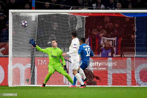 Lucas Tousart of Olympique Lyonnais scores the winning goal during the UEFA Champions League round of 16 first leg football match between Olympique...