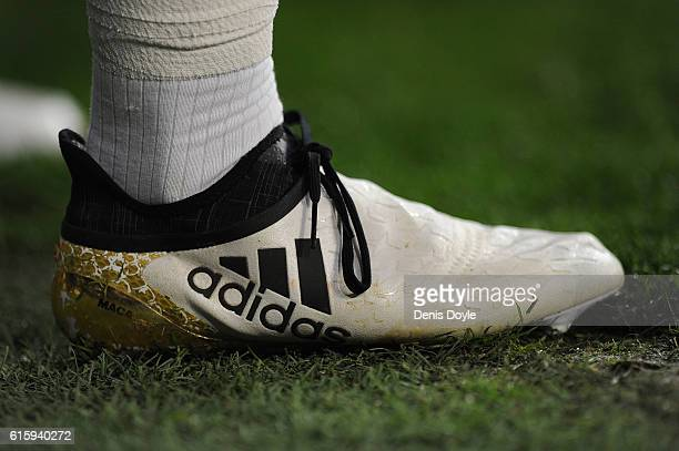 Lucas Vazquez of Real Madrid CF warms up during the UEFA Champions League match between Real Madrid CF and Legia Warszawa at Bernabeu on October 18...