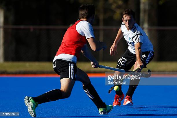 Lucas Vila of Argentina plays the ball during Argentina Training Session at CenARD on July 21 2016 in Buenos Aires Argentina