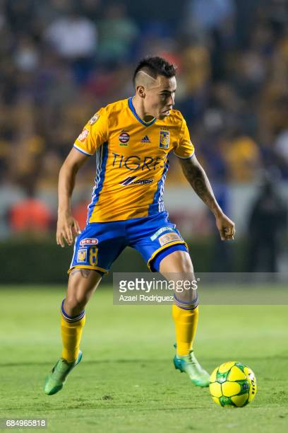 Lucas Zelarayan of Tigres drives the ball during the semi finals first leg match between Tigres UANL and Tijuana as part of the Torneo Clausura 2017...
