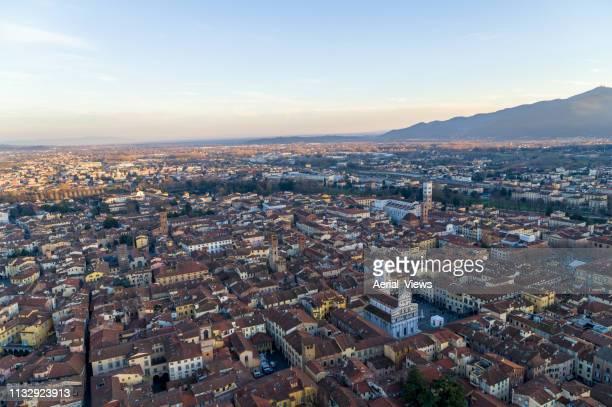 lucca - aerial view - cultura italiana foto e immagini stock