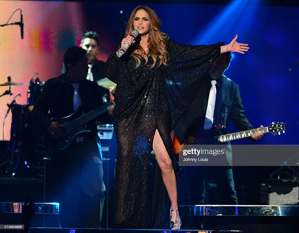 2015 Billboard Latin Music Awards - Show : Fotografía de noticias