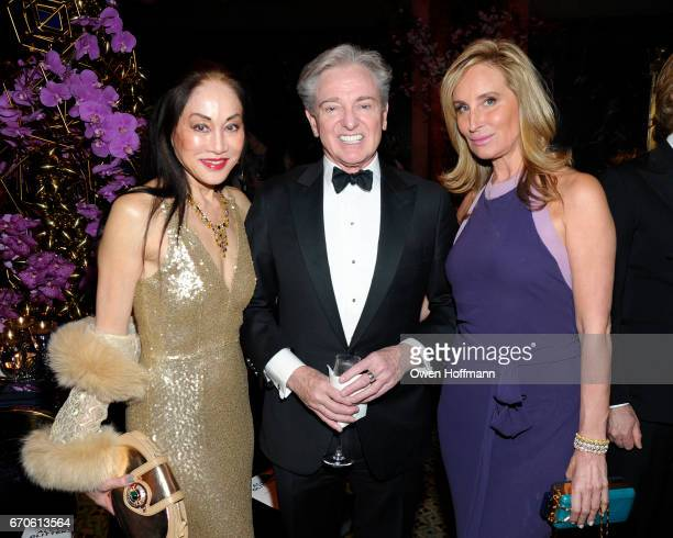 Lucia Hwong Gordon Geoffrey Bradfield and Sonja Morgan attend LNHN Honours Geoffrey Bradfield and John Manice at Cipriani 42nd Street on April 18...
