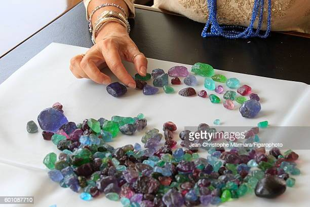 Lucia Silvestri creative director at Bulgari is photographed evaluating uncut gems for Le Figaro on February 15 2016 in Jaipur India PUBLISHED IMAGE...