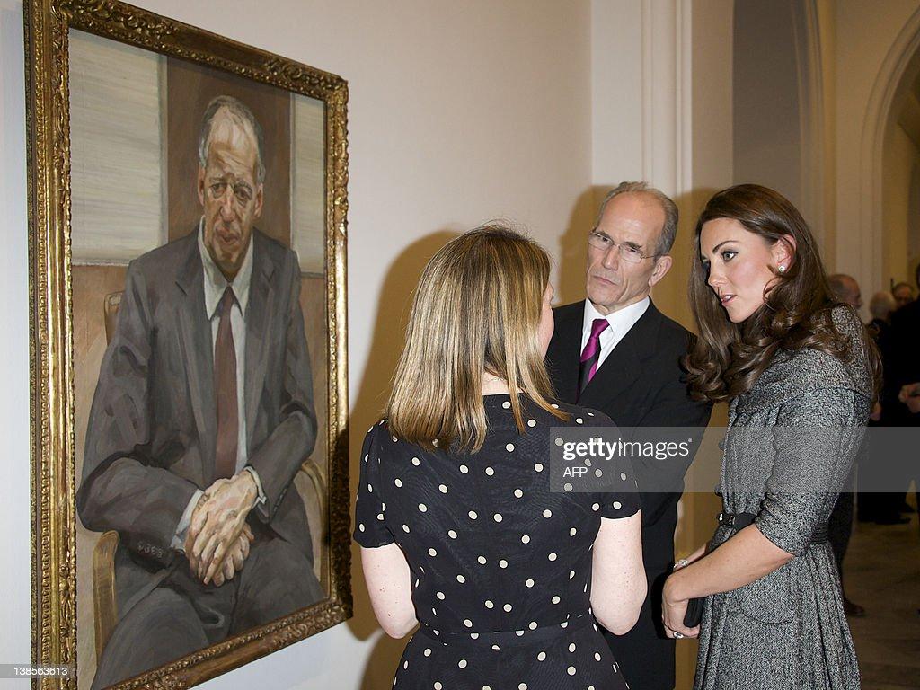 (L-R) Lucian Freud Portraits exhibition : News Photo
