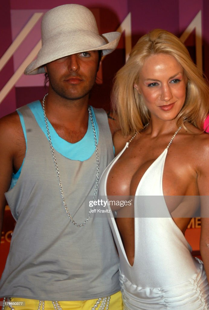 MTV Video Music Awards Latin America 2003 - Red Carpet : News Photo